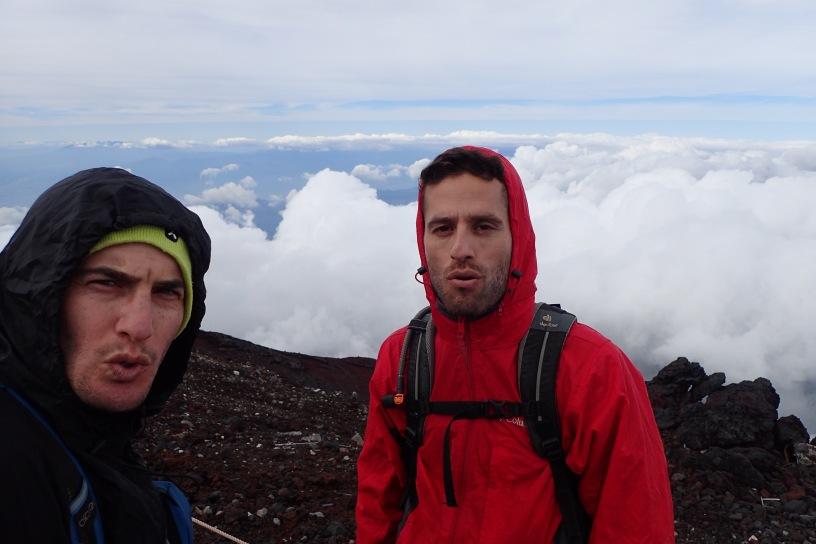 הר פוג'י, טרק בפוג'י, traveling Fuji mountain, טיול ביפן, טיול ליפן, טרק בפוג'י